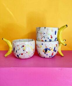 multifarvede banankopper håndlavet af Julie Ebens