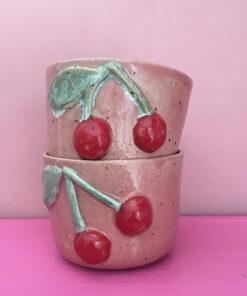 Kirsebærkop i lyserød hånddrejet af Julie Ebens