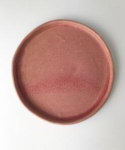 lille lyserød tallerken perfekt til underkop eller en lille kage til kaffen fra Chandini Caramics