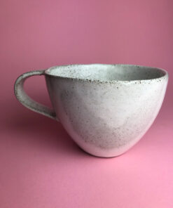 Chandini stor keramik kop i hvid med hank