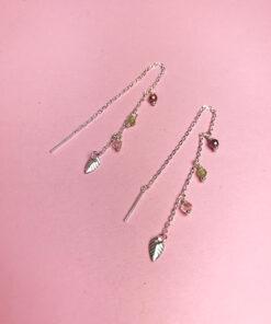 colorfull ytrings kædeøreringe med smukke gennemsigtige perler fra Lulo Jewelry
