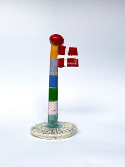 The Clay Play Keramik Flag med Multifarvet Flagstang